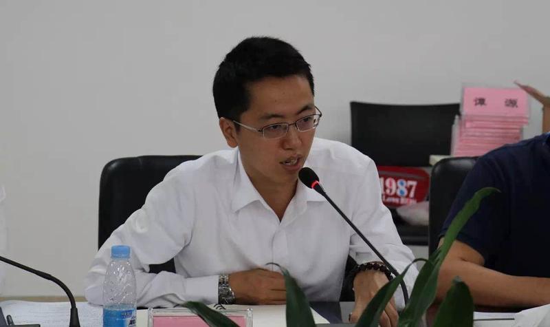 青专委秘书长杜政志在《青专委年度工作的执行与推动》中详细介绍了青专委目前的工作成果、工作计划及工作任务。